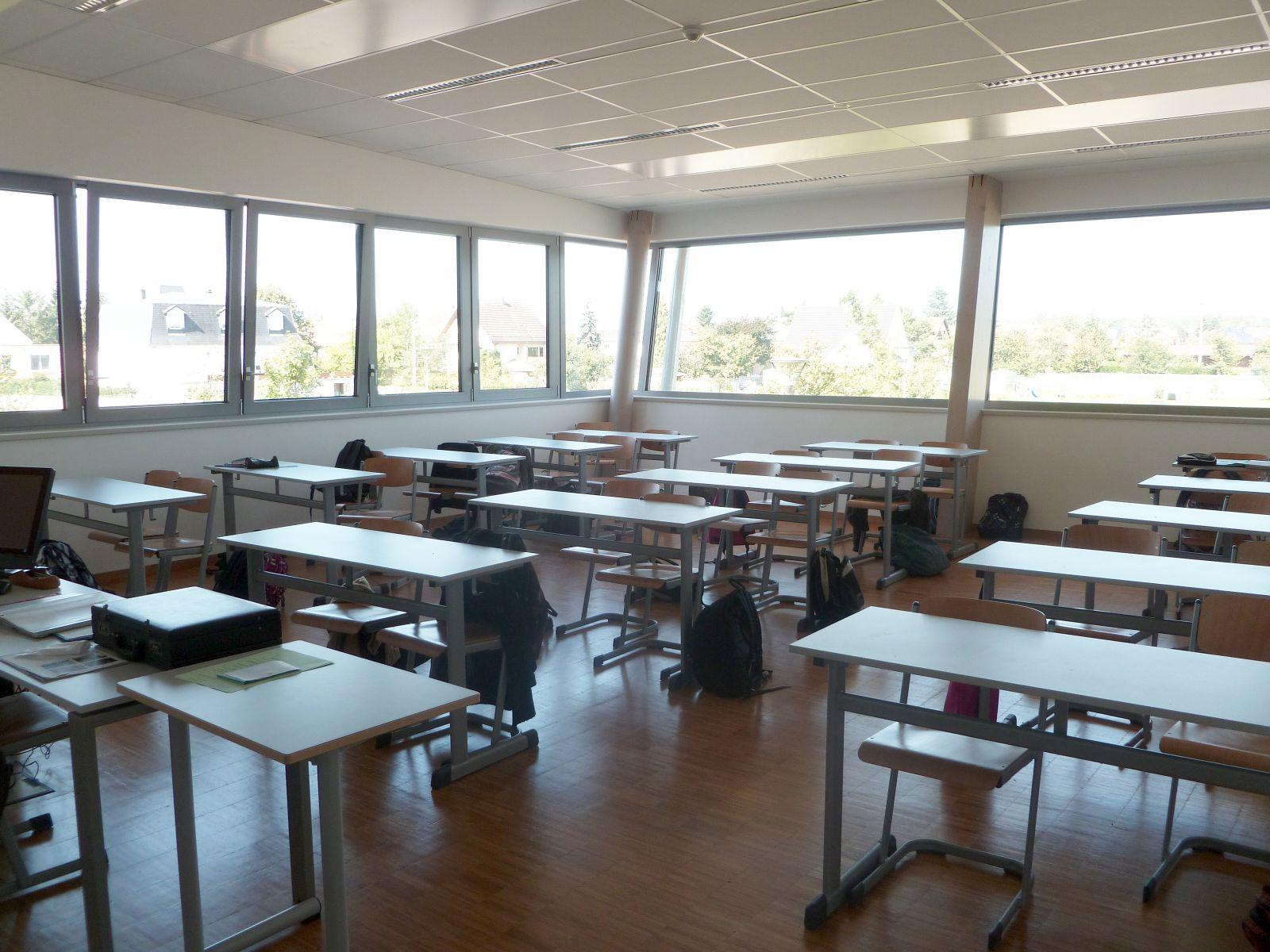 Amiante dans les écoles : les citoyens réclament des mesures urgentes
